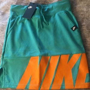 New Nike air mini skirt
